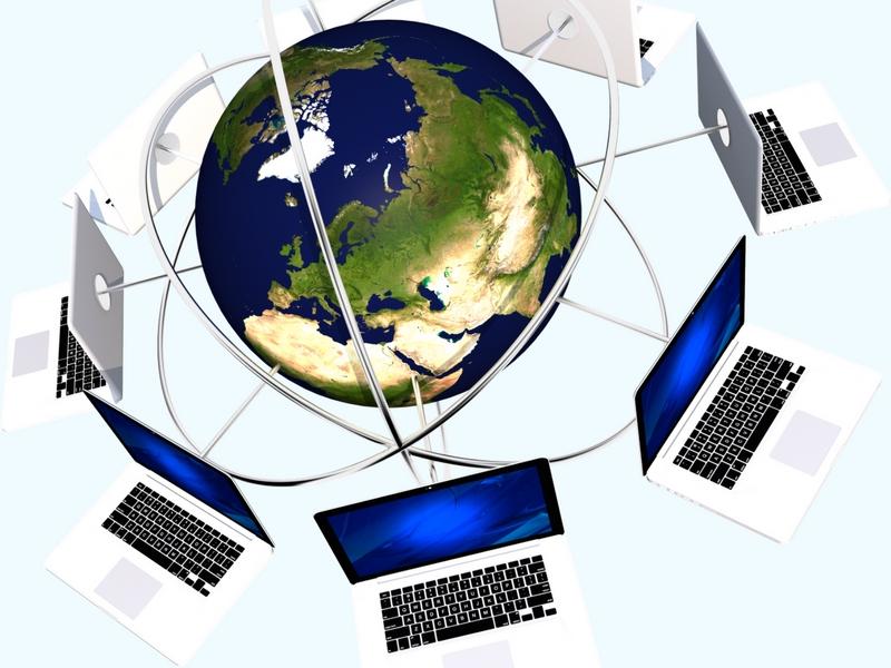 地球上のパソコンがつながるイメージ画像