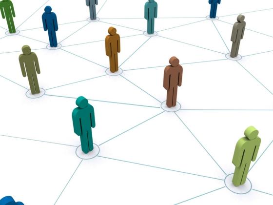 人と人とがネットワークでつながっているイラスト
