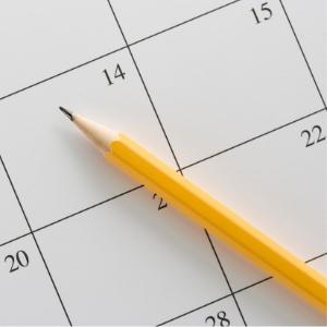 カレンダーを鉛筆の写真