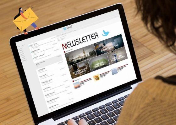 ノートパソコンの画面に表示されているニュースレターの写真